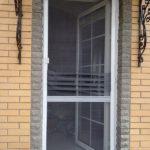 Москитная дверь в частном доме
